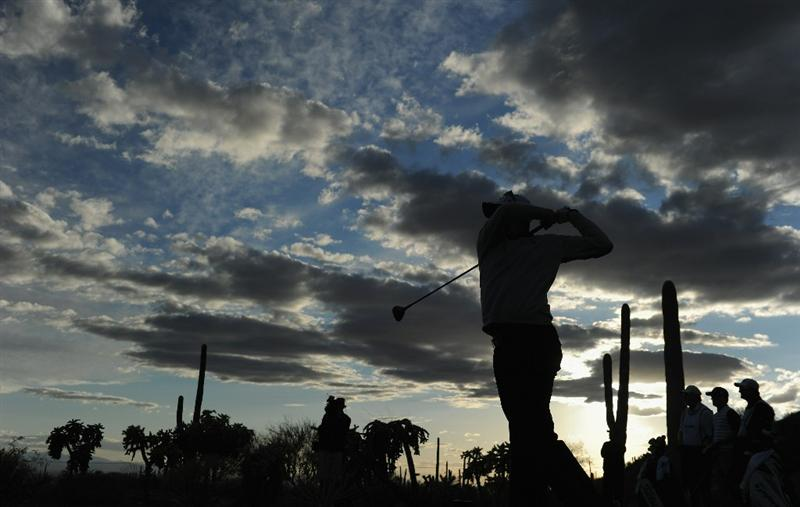 MARANA, AZ - FEBRUARY 23:  Justin Rose of England plays his tee shot on the 17th hole during the first round of the World Golf Championships-Accenture Match Play Championship held at The Ritz-Carlton Golf Club, Dove Mountain on February 23, 2011 in Marana, Arizona.  (Photo by Stuart Franklin/Getty Images)