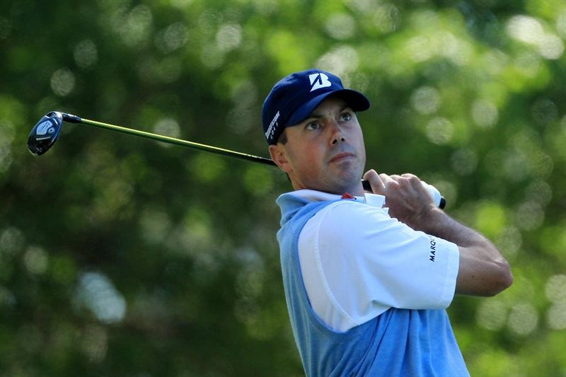AUGUSTA, GA - APRIL 07:  Matt Kuchar watches his tee shot on the fourth hole during the first round of the 2011 Masters Tournament at Augusta National Golf Club on April 7, 2011 in Augusta, Georgia.  (Photo by David Cannon/Getty Images)