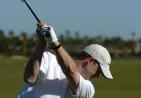 Tom Gillis warms up for  final  round competition at the 2005 Honda Classic March 13, 2005 in Palm Beach Gardens, Florida.