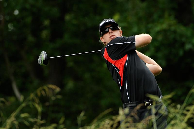 FARMINGDALE, NY - JUNE 22:  Hunter Mahan hits his tee shot on the ninth tee during the continuation of the final round of the 109th U.S. Open on the Black Course at Bethpage State Park on June 22, 2009 in Farmingdale, New York.  (Photo by Sam Greenwood/Getty Images)