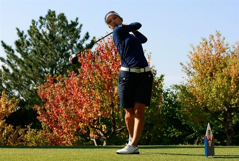 SHIMA, JAPAN - NOVEMBER 06:  Momoko Ueda of Japan plays a shot on the 2nd hole during round two of the Mizuno Classic at Kintetsu Kashikojima Country Club on November 6, 2010 in Shima, Japan.  (Photo by Chung Sung-Jun/Getty Images)