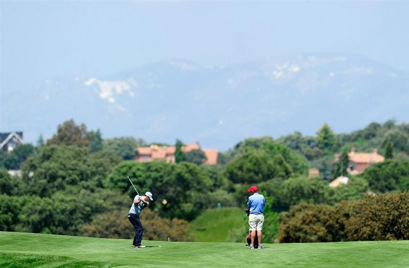 MADRID, SPAIN - MAY 26: Oliver Wilson of England plays a shot during the Pro-Am of the Madrid Masters at Real Sociedad hipica Espanola club de campo on May 26, 2010 in Madrid, Spain.  (Photo by Stuart Franklin/Getty Images)