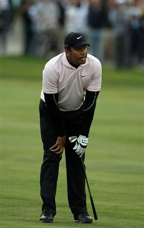 LA JOLLA, CA - JANUARY 30:  Jhonattan Vegas of Venezuela reacts to his approach shot on the 18th hole during the final round of the Farmers Insurance Open on January 30, 2011 in La Jolla, California.  (Photo by Donald Miralle/Getty Images)