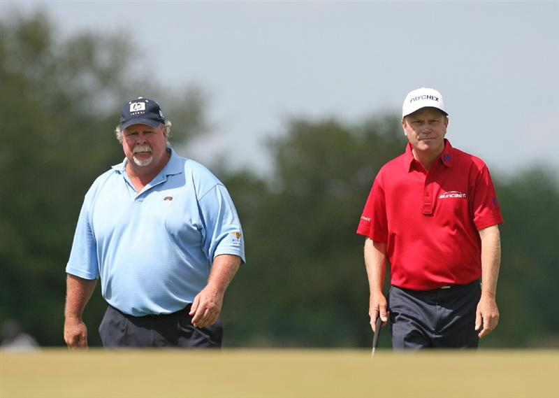 SAVANNAH, GA : Craig Stadler (L) and playing partner Jeff Sluman(R) walk to the 18th green during the final round the Liberty Mutual Legends of Golf at the Westin Savannah Harbor Golf Resort and Spa on April 26, 2009 in Savannah, Georgia. (Photo by Hunter Martin/Getty Images)