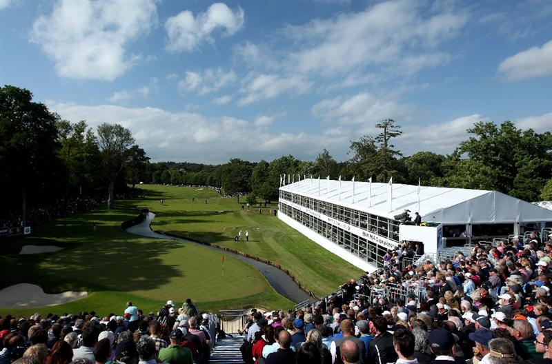 VIRGINIA WATER, ENGLAND - MAY 29:  (EDITORS NOTE: A POLARIZING FILTER WAS USED IN THE CAPTURE OF THIS IMAGE) General View of the 18th green during the final round of the BMW PGA Championship  at the Wentworth Club on May 29, 2011 in Virginia Water, England.  (Photo by Andrew Redington/Getty Images)