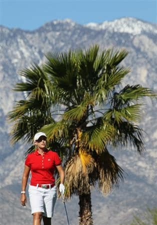 RANCHO MIRAGE, CA - MARCH 31:  Cristie Kerr walks off the tee on the eighth hole during the first round of the Kraft Nabisco Championship at Rancho Mirage Country Club on March 31, 2011 in Rancho Mirage, California.  (Photo by Stephen Dunn/Getty Images)