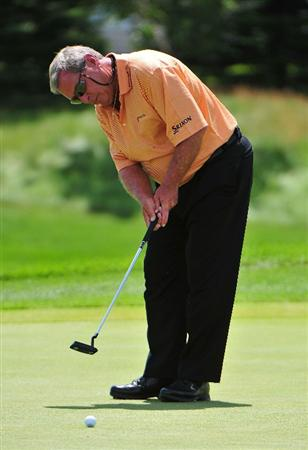 BLAINE, MN - JULY 10:  Fuzzy Zoeller putts for a birdie on the 1st hole during the first round of the 3M Championship held at the TPC Twin Cities on July 10, 2009 in Blaine, Minnesota. (Photo by Marc Feldman/Getty Images)