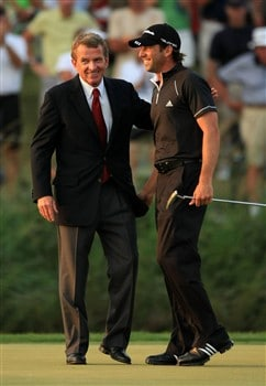 PONTE VEDRA BEACH, FL - MAY 11:  Commissioner Tim Finchem congratulates Sergio Garcia of Spain after he won on the 1st extra play-off hole during the final round of THE PLAYERS Championship on THE PLAYERS Stadium Course at TPC Sawgrass on May 11, 2008 in Ponte Vedra Beach, Florida.  (Photo by Richard Heathcote/Getty Images)