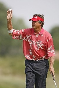 Dana Quigley waves to the crowd during the first round of the U.S. Senior Open at Prairie Dunes Country Club in Hutchinson,  Kansas on July 6, 2006.Photo by G. Newman Lowrance/WireImage.com