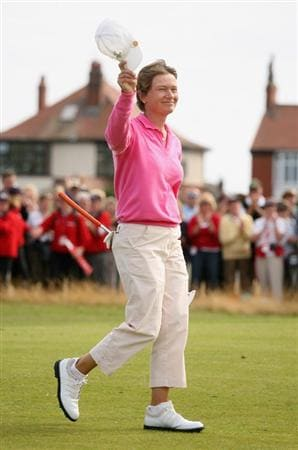 LYTHAM ST ANNES, ENGLAND - AUGUST 02:  Catriona Matthew of Scotland acknowledges the crowd on the 18th green on her way to victory during the final round of the 2009 Ricoh Women's British Open Championship held at Royal Lytham St Annes Golf Club, on August 2, 2009 in Lytham St Annes, England.  (Photo by Warren Little/Getty Images)