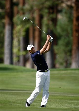 RENO, NV - AUGUST 06:  Jonathan Byrd hits hits his third shot on the 6th hole during the first round of the Legends Reno-Tahoe Open on August 6, 2009 at Montreux Golf and Country Club in Reno, Nevada.  (Photo by Jonathan Ferrey/Getty Images)