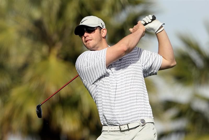 LA QUINTA, CA - JANUARY 20:  Evan Longoria hits a tee shot on the 13th hole during the first round of the Bob Hope Classic at the Silver Rock Resort on January 20, 2010 in La Quinta, California.  (Photo by Jeff Gross/Getty Images)