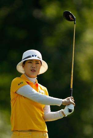 BETHLEHEM, PA - JULY 09:  Meena Lee of South Korea watches a tee shot on the 15th hole during the first round of the 2009 U.S. Women's Open at Saucon Valley Country Club on July 9, 2009 in Bethlehem, Pennsylvania.  (Photo by Streeter Lecka/Getty Images)