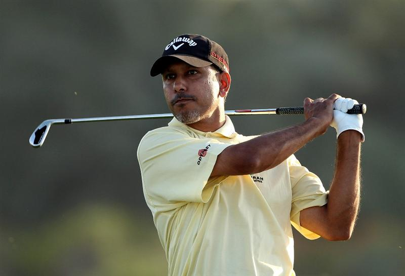 ABU DHABI, UNITED ARAB EMIRATES - JANUARY 21:  Jeev-Milka Singh of India hits his third shot on the eighth hole during the first round of The Abu Dhabi Golf Championship at Abu Dhabi Golf Club on January 21, 2010 in Abu Dhabi, United Arab Emirates.  (Photo by Andrew Redington/Getty Images)