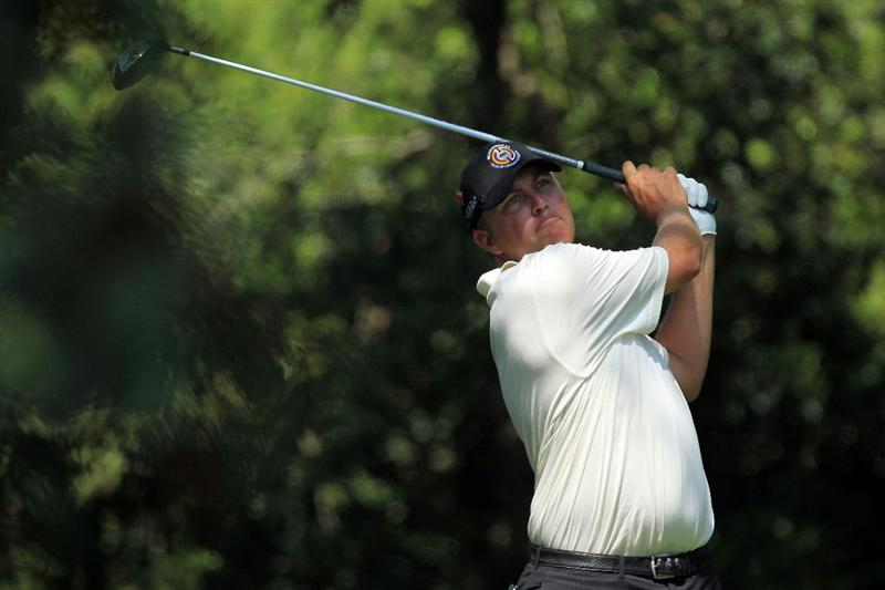 AUGUSTA, GA - APRIL 10:  Bo Van Pelt watches his tee shot on the second hole during the final round of the 2011 Masters Tournament on April 10, 2011 in Augusta, Georgia.  (Photo by David Cannon/Getty Images)