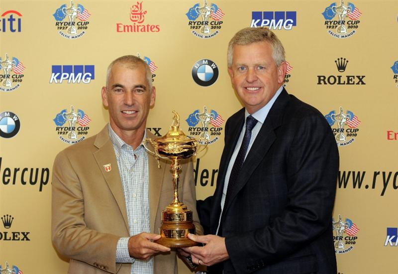 CARDIFF, WALES - SEPTEMBER 27:  USA captain Corey Pavin and European captain Colin Montgomerie pose with the Ryder Cup trophy as the USA team arrive at Cardiff Airport on September 27, 2010 in Cardiff, Wales.  (Photo by Andrew Redington/Getty Images)