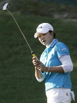 MOBILE, AL - NOVEMBER 8: Hee-Won Han of South Korea watches her putt on the 17th green during first round play in The Mitchell Company LPGA Tournament of Champions at Magnolia Grove Golf Course November 8, 2007 in Mobile, Alabama.  (Photo by Dave Martin/Getty Images)