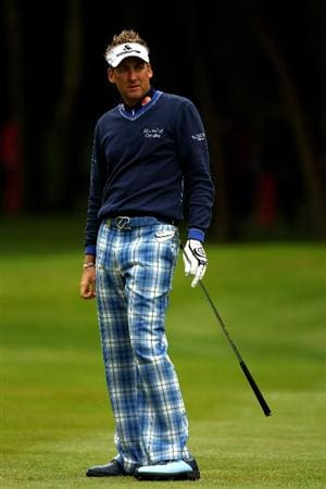 VIRGINIA WATER, ENGLAND - MAY 27:  Ian Poulter of England watches a shot on the 3rd hole during the second round of the BMW PGA Championship at the Wentworth Club on May 27, 2011 in Virginia Water, England.  (Photo by Richard Heathcote/Getty Images)
