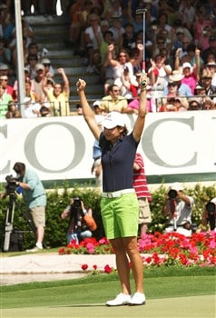RANCHO MIRAGE, CA - APRIL 06:  Lorena Ochoa of Mexico celebrates after her final putt drops for the victory during the final round of the Kraft Nabisco Championship at Mission Hills Country Club on April 6, 2008 in Rancho Mirage, California.  (Photo by Stephen Dunn/Getty Images)