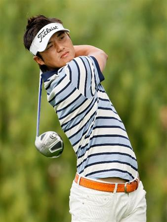 LA QUINTA, CA - JANUARY 23:  Ryuji Imada of Japan hits a tee shot on the second hole during the third round of the Bob Hope Chrysler Classic at the Bermuda Dunes Country Club on January 23, 2009 in La Quinta, California.  (Photo by Jeff Gross/Getty Images)