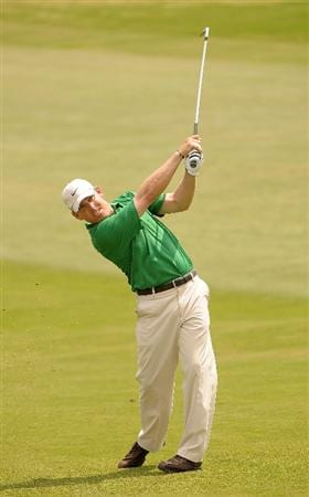 SAN ANTONIO, TX - MAY 14: Justin Leonard hits his approach shot into the 10th hole during the first round of  the Valero Texas Open held at La Cantera Golf Club on May 14, 2009 in San Antonio, Texas (Photo by Marc Feldman/Getty Images)