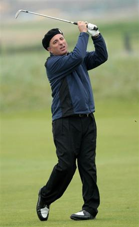 CARNOUSTIE, SCOTLAND - OCTOBER 09:  Hollywood actor Andy Garcia plays his third shot to the 18th hole during the third round of The Alfred Dunhill Links Championship at the Carnoustie Golf Links on October 9, 2010 in Carnoustie, Scotland.  (Photo by David Cannon/Getty Images)