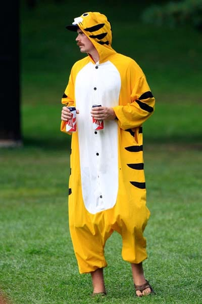 Fan in tiger costume