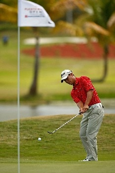 RIO GRANDE, PUERTO RICO - MARCH 22:  Jin Park chips to the green on the 8th hole during the third round of the Puerto Rico Open presented by Banco Popular held on March 22, 2008 at Coco Beach Golf & Country Club in Rio Grande, Puerto Rico.  (Photo by Mike Ehrmann/Getty Images)