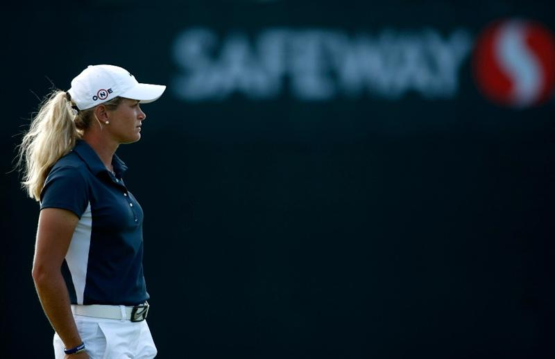NORTH PLAINS, OR - AUGUST 29: Suzann Pettersen waits to putt on the 18th hole during the second round of the Safeway Classic on August 29, 2009 on the Ghost Creek course at Pumpkin Ridge in North Plains, Oregon. (Photo by Jonathan Ferrey/Getty Images)