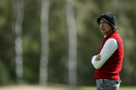 HALMSTAD, SWEDEN - SEPTEMBER 15:  Juli Inkster of the United States watches play on the 11th hole during the morning foursome at the Solheim Cup at Halmstad Golf Club on September 15, 2007 in Halmstad, Sweden.  (Photo by Jonathan Ferrey/Getty Images)