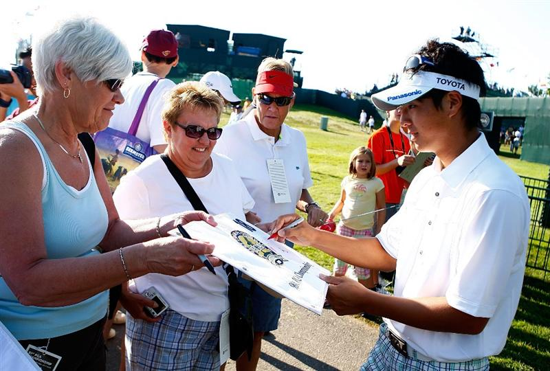 CHASKA, MN - AUGUST 12:  Ryo Ishikawa of Japan signs autographs for fans during the third preview day of the 91st PGA Championship at Hazeltine National Golf Club on August 12, 2009 in Chaska, Minnesota.  (Photo by Scott Halleran/Getty Images)