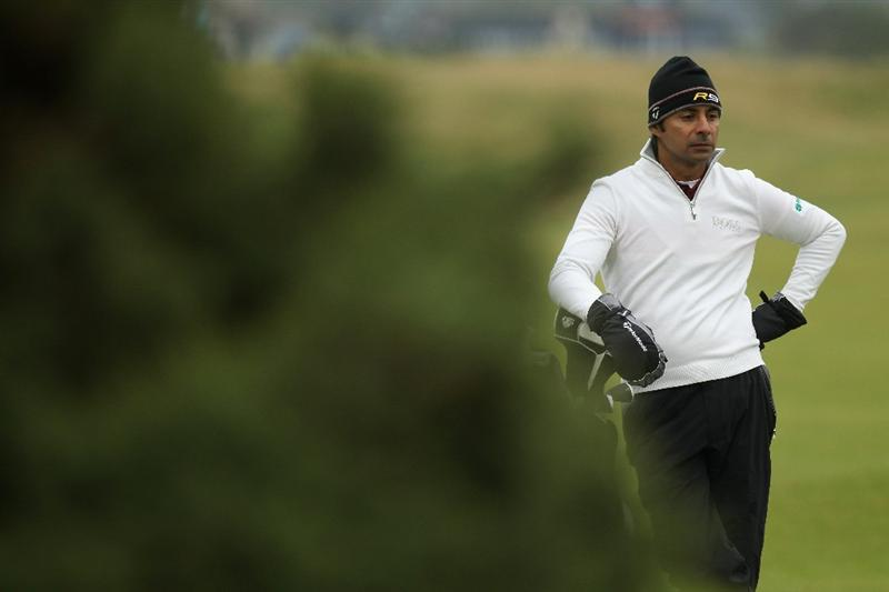 ST ANDREWS, SCOTLAND - OCTOBER 09:  Jyoti Randhawa of India on the par four 3rd hole during the third round of The Alfred Dunhill Links Championship at The Old Course on October 9, 2010 in St Andrews, Scotland.  (Photo by Ross Kinnaird/Getty Images)