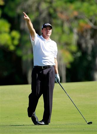 LAKE BUENA VISTA, FL - NOVEMBER 14:  Roland Thatcher points on the 10th hole during the final round of the Children's Miracle Network Classic at the Disney Magnolia course on November 14, 2010 in Lake Buena Vista, Florida.  (Photo by Sam Greenwood/Getty Images)