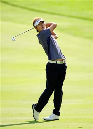 AKRON, OH - AUGUST 07:  Danny Lee of New Zealand hits a shot on the 6th hole during the second round of the WGC-Bridgestone Invitational on the South Course at Firestone Country Club on August 7, 2009 in Akron, Ohio.  (Photo by Sam Greenwood/Getty Images)