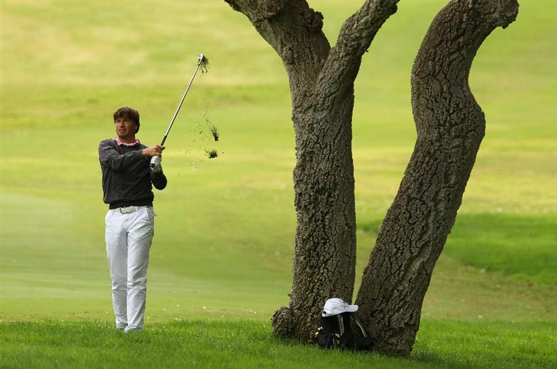 SOTOGRANDE, SPAIN - OCTOBER 30:  Robert Jan Derksen of The Netherlands plays into the 1st green during the third round of the Andalucia Valderrama Masters at Club de Golf Valderrama on October 30, 2010 in Sotogrande, Spain.  (Photo by Richard Heathcote/Getty Images)