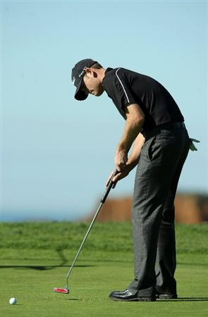 LA JOLLA, CA - JANUARY 28:  Brendan Steele putts on the 4th hole during the second round of the Farmers Insurance Open at Torrey Pines on January 28, 2011 in La Jolla, California. (Photo by Donald Miralle/Getty Images)
