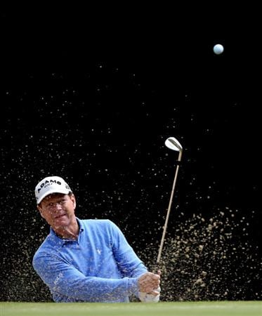 SUNNINGDALE, ENGLAND - JULY 23:  Tom Watson of the USA plays from a bunker on the ninth hole during the first round of The Senior Open Championship presented by MasterCard held on the Old Course at Sunningdale Golf Club on July 23, 2009 in Sunningdale, England.  (Photo by Andrew Redington/Getty Images)