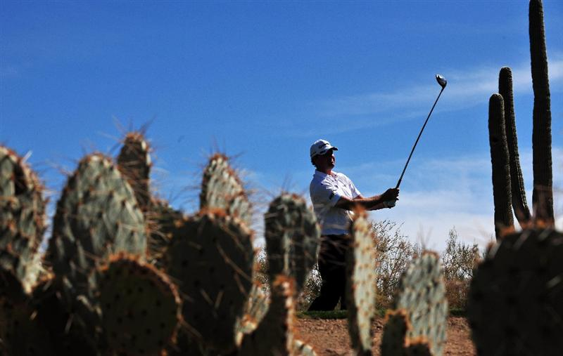MARANA, AZ - FEBRUARY 27:  Peter Hanson of Sweden plays his tee shot on the second hole during the third round of Accenture Match Play Championships at Ritz - Carlton Golf Club at Dove Mountain on February 27, 2009 in Marana, Arizona.  (Photo by Stuart Franklin/Getty Images)