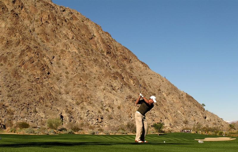LA QUINTA, CA - JANUARY 24:  Alex Prugh hits his tee shot on the 17th hole at SilverRock Resort during the fourth round of the Bob Hope Classic on January 24, 2010 in La Quinta, California.  (Photo by Stephen Dunn/Getty Images)