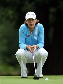 SUNNINGDALE, UNITED KINGDOM - AUGUST 03:  Juli Inkster lines up a par putt at the 9th hole during the final round of the 2008  Ricoh Women's British Open Championship held on the Old Course at Sunningdale Golf Club, on August 3, 2008 in Sunningdale, England.  (Photo by David Cannon/Getty Images)