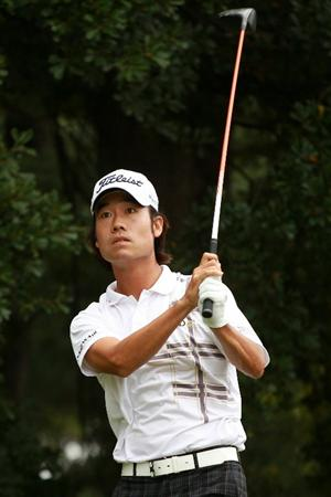 ATLANTA - SEPTEMBER 26:  Kevin Na watches his tee shot on the third hole during the final round of THE TOUR Championship presented by Coca-Cola at East Lake Golf Club on September 26, 2010 in Atlanta, Georgia.  (Photo by Scott Halleran/Getty Images)