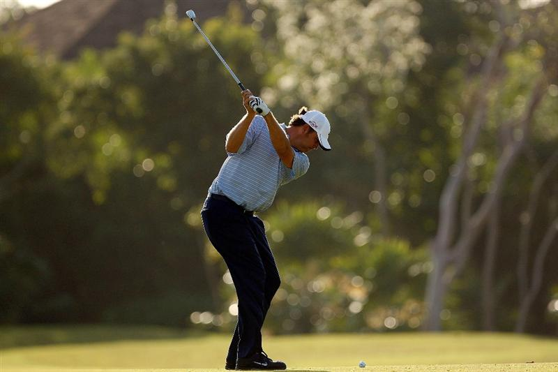 RIVIERA MAYA, MEXICO - FEBRUARY 27:  Bo Van Pelt makes a shot from the fairway on the fourth hole during the second round of the Mayakoba Golf Classic on February 27, 2009 at El Camaleon Golf Club in Riviera Maya, Mexico.  (Photo by Chris Graythen/Getty Images)