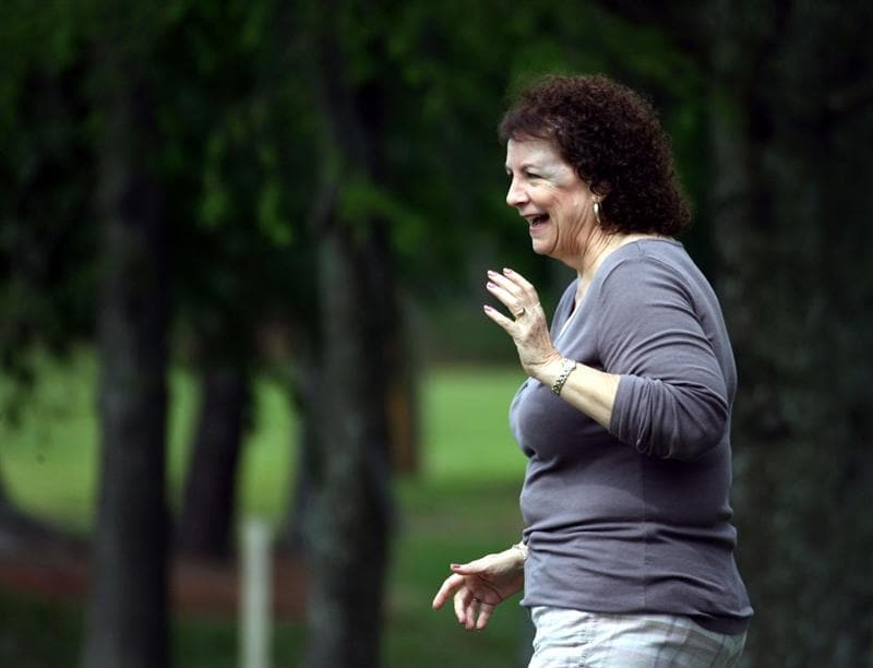 LUTZ, FL - APRIL 19: Spectator Gail DiMaggio ducks as actor Bill Murray putts on the ninth hole during the final round of the Outback Steakhouse Pro-Am at TPC Tampa Bay on April 19, 2009  in Lutz, Florida. Murray's tee shot struck DiMaggio in the head on the same hole while she was standing in her back yard during the first round of play on Friday. DiMaggio was taken to the hospital, but she was released the same day. (Photo by Marc Serota/Getty Images)