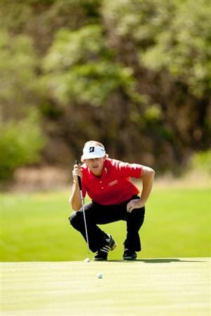 SAN ANTONIO, TX - APRIL 15: Brandt Snedeker lines up a putt during the second round of the Valero Texas Open at the AT&T Oaks Course at TPC San Antonio on April 15, 2011 in San Antonio, Texas. (Photo by Darren Carroll/Getty Images)