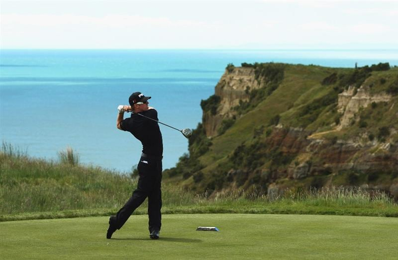 NAPIER, NEW ZEALAND - NOVEMBER 11: Hunter Mahan of the USA tees off on the 14th hole during the first round of The Kiwi Challenge at Cape Kidnappers on November 11, 2009 in Napier, New Zealand.  (Photo by Phil Walter/Getty Images)