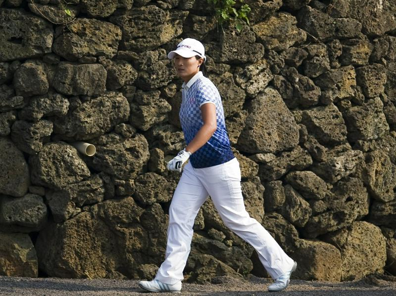 HAIKOU, CHINA - OCTOBER 30:  Se Ri Pak of South Korea walks to the 18th tee during day four of the Mission Hills Start Trophy tournament at Mission Hills Resort on October 30, 2010 in Haikou, China. The Mission Hills Star Trophy is Asia's leading leisure liflestyle event and features Hollywood celebrities and international golf stars.  (Photo by Victor Fraile/Getty Images for Mission Hills)