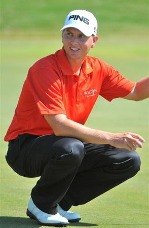 SAN ANTONIO, TX - OCTOBER 10: Chris Stroud  on the 18th green during the second round of the Valero Texas Open  held at La Cantera Golf Club on October 10, 2008 in San Antonio, Texas. (Photo by Marc Feldman\Getty Images)
