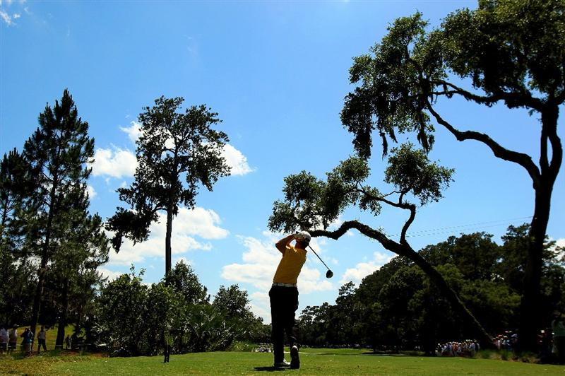 PONTE VEDRA BEACH, FL - MAY 15:  David Toms hits his tee shot on the sixth hole during the final round of THE PLAYERS Championship held at THE PLAYERS Stadium course at TPC Sawgrass on May 15, 2011 in Ponte Vedra Beach, Florida.  (Photo by Streeter Lecka/Getty Images)