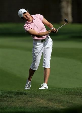 RANCHO MIRAGE, CA - APRIL 02:  Catriona Matthew of Scotland watches her second shot on the 15th hole during the second round of the Kraft Nabisco Championship at Mission Hills Country Club on April 2, 2010 in Rancho Mirage, California.  (Photo by Stephen Dunn/Getty Images)