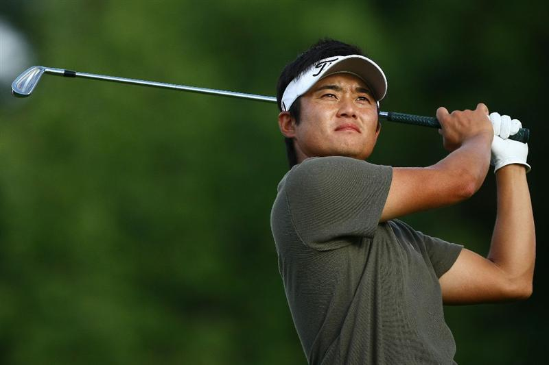 OAKVILLE, ONTARIO - JULY 23: Ryuji Imada of Japan watches his tee shot on the fourth hole during round one of the RBC Canadian Open at Glen Abbey Golf Club on July 23, 2009 in Oakville, Ontario, Canada.  (Photo by Chris McGrath/Getty Images)